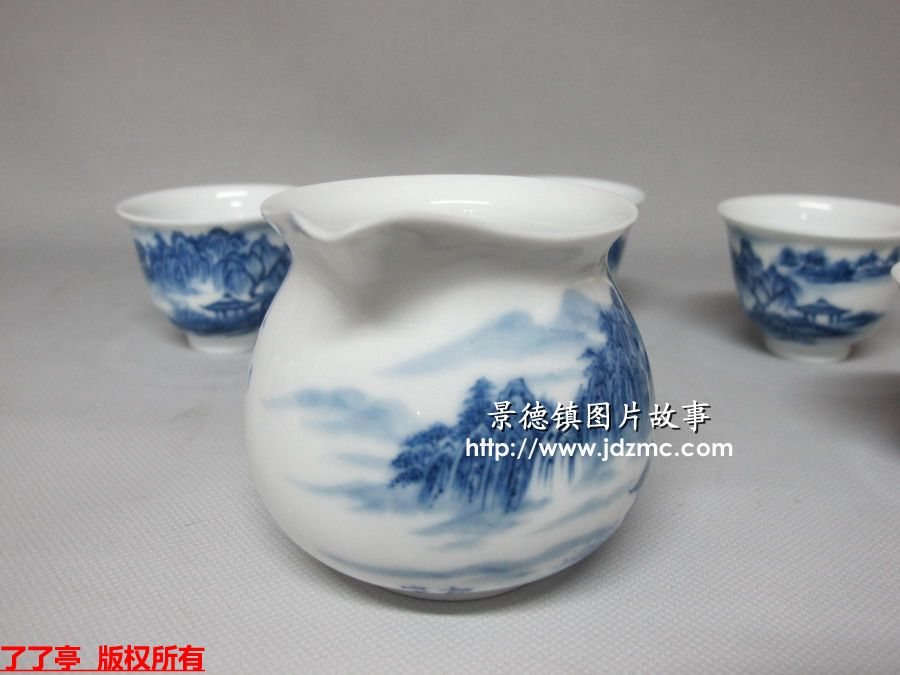 是陶瓷艺术工作者以名胜风景和乡村田野的自然景观为
