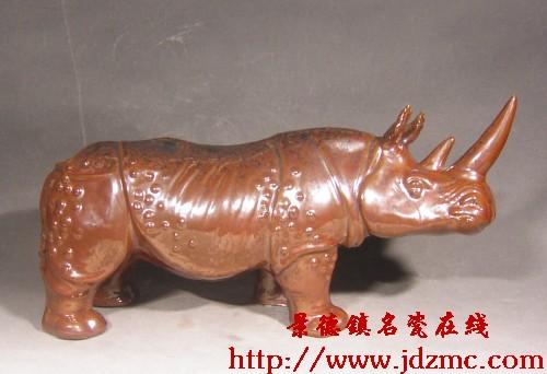 """陶瓷动物雕塑""""变形""""浅淡"""