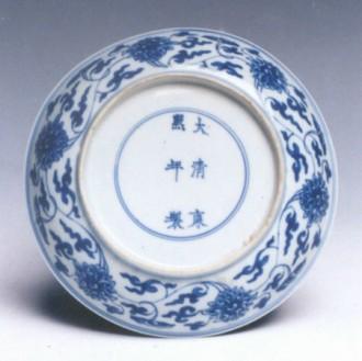 中国 莲花/釉下彩瓷装饰纹样缠枝莲,又称串枝莲,穿枝莲。它取材于人们...