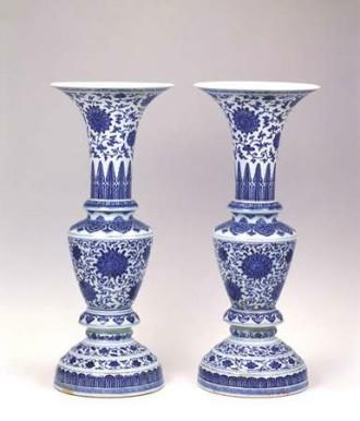 在线 装饰 景德镇陶瓷/釉下彩瓷装饰纹样缠枝莲,又称串枝莲,穿枝莲。