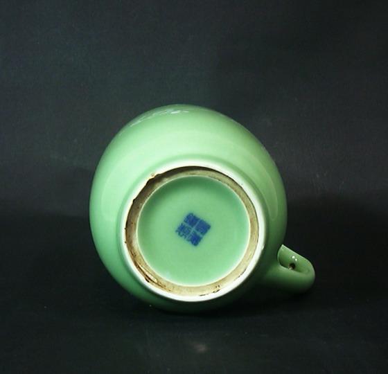 釉)釉中堆白梅花杯