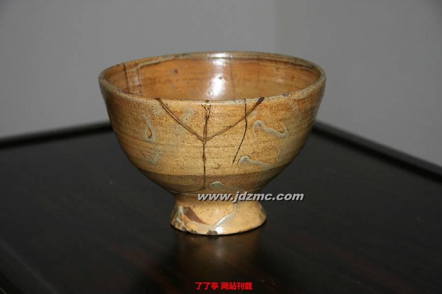 割手碗的-7 割高台茶碗(又直接叫作高丽):高台被割了一刀或两刀的碗   8 熊