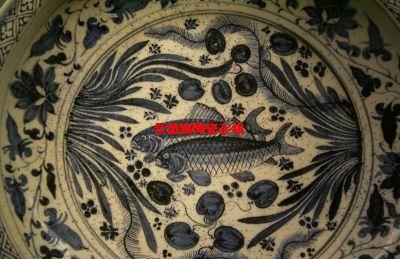 其中二方连续,四方连续形式的缠枝莲纹使用最为广泛.